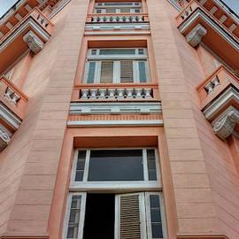 Havana Windows by Nicola Nobile