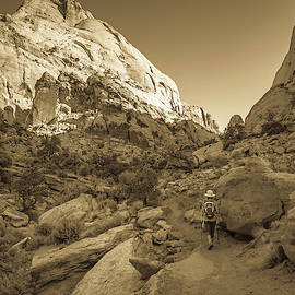 Dave Hall - Hiking Cassidy Arch Trail 5