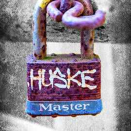 Huske by Brian Wallace