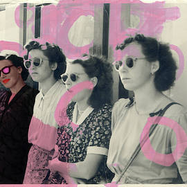 I believe in pink by Martina Rall