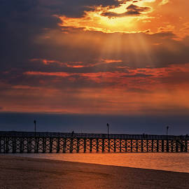 Keansburg Fishing Pier Nj by Susan Candelario