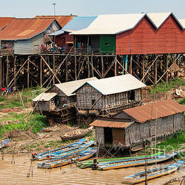 Kompong Khleang Dry Season by Bob Phillips