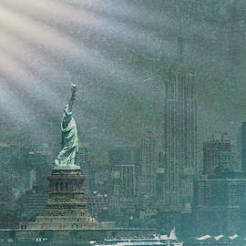 Lady Liberty - a ray of light and hope by Geraldine Scull