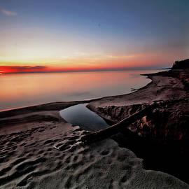 Lake Erie at sunrise by Bill Jonscher