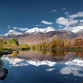 Lost River Range Reflection by Leland D Howard