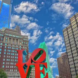 Green Fountain Water Love Park by David Zanzinger