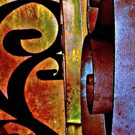 Metallic Abstract DA by Bonnie See