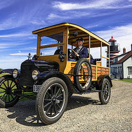 Model T Woody at WQHLH by Marty Saccone
