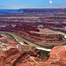 Moon Over Deadhorse Point by Andy Crawford