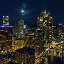 Moonrise, Milwaukee, Wisconsin by Randy Scherkenbach