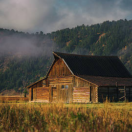 Moulton Barn  by Darren White