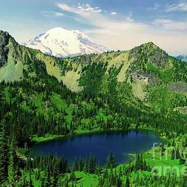 Mount Rainer and Crystal Lake  by Jeff Swan