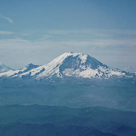 Mount Rainier from the Plane by Lyuba Filatova
