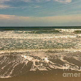 Myrtle Beach by Eunice Warfel