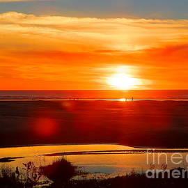 Beautiful Pacific Oregon Sunset by Art Sandi