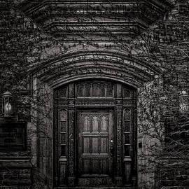 No 2833 Yonge St Toronto Canada by Brian Carson