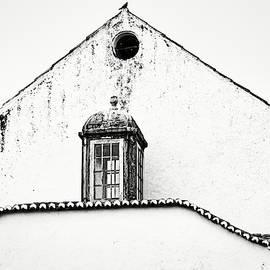 Obidos White Facade - Portugal by Stuart Litoff