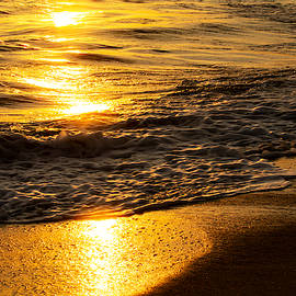 Ocean View by Maria Reverberi