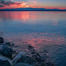Olympic Mountain Range Sunset by Bob VonDrachek