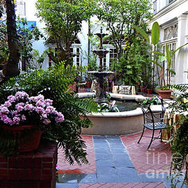 Omni New Orleans Courtyard by Peter Horrocks