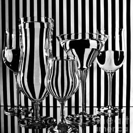 Optical Illusion by Linda Bianic