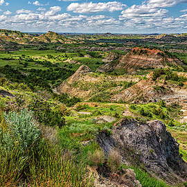 Painted Canyon Overlook North Dakota by Gestalt Imagery