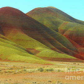 Painted Hills One of the 7 Wonders of Oregon by Art Sandi