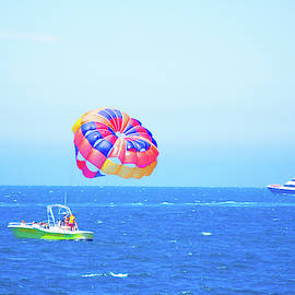 Art Spectrum - Parasail Sports Boat