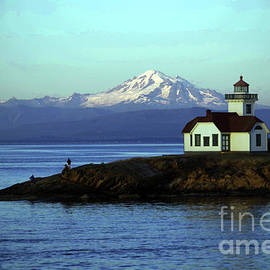 Patos island lighthouse and Mount Baker by Jeff Swan