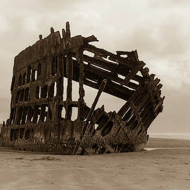 Peter Iredale in Sepia 0917 by Kristina Rinell