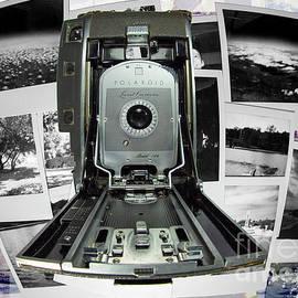 Polaroid 150 Clr by Anthony Ellis