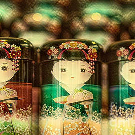 Eva Lechner - Powdered Green Tea Cans