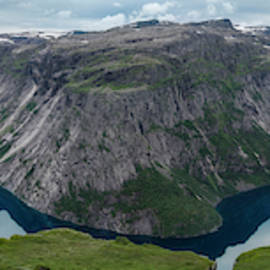 Ringedalsvatnet Panorama by Peng Shi