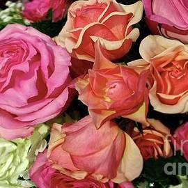 Roses Bouquet by Zenya Zenyaris