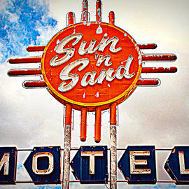 Route 66 Roadtrip - Sun 'n Sand Motel by Matt Richardson
