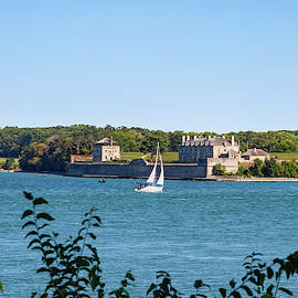 Sailing On The Niagara River by Jack R Perry