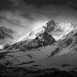 Savage Mountain by Peng Shi