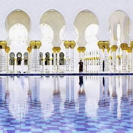 Sheikh Zayed Mosque Abu Dhabi by Slawek Aniol