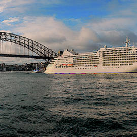 Silver Muse at Sydney harbour by Andrei SKY