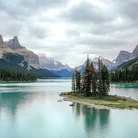 Spirit Island Jasper National Park by Dan Sproul