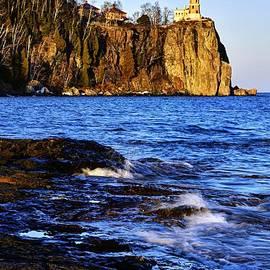 Split Rock Lighthouse by Larry Ricker