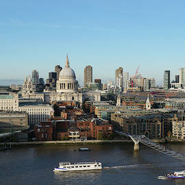 St Paul Cathedral and river thames by Santosh Puthran
