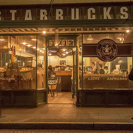 Starbucks At Pike Place by E Faithe Lester