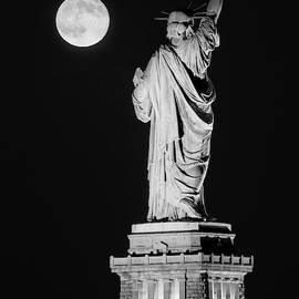 Statue Of Liberty Supermoon Bw- by Susan Candelario