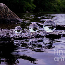 Linda Howes - Stone and Crystal
