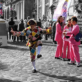 Street Jester - Edinburgh Fringe by Yvonne Johnstone