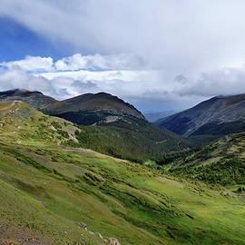 Stunning Rocky Mountain National Park by Lyuba Filatova