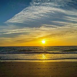 Sunset From the Clouds by Lynne Pedlar