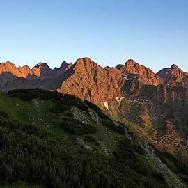 Sunset in Tatras by Ren Kuljovska