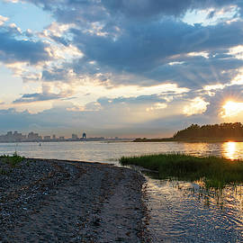 Sunset Over Snake Island In Winthrop Ma From Coughlin Park Green Grass Boston Skyline by Toby McGuire
